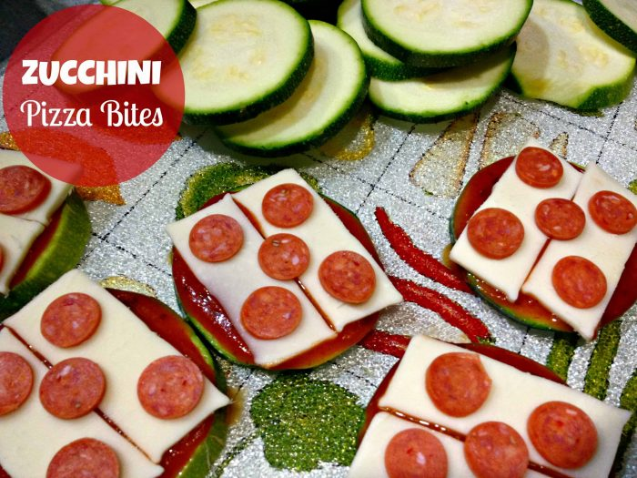 low carb gluten free zucchini pizza bites via momables.com