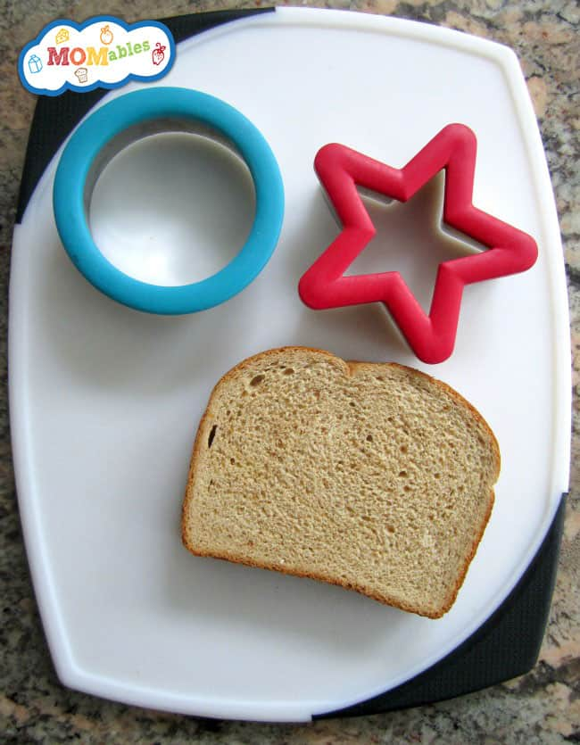 2-cookie-cutters-to-make-lunches-fun