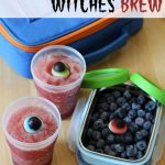 These witches brew cups are the perfect halloween lunchbox treat! Healthy, fresh and SUPER EASY to make! via MOMables.com