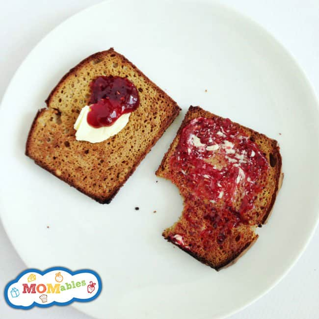 Bring back your butter and jelly toast with this easy to make grain free sandwich bread!