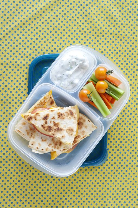 Are you finding yourself in a lunch-packing rut? These 8 healthy school lunch ideas will get your kids excited to eat lunch and are easy to pack!