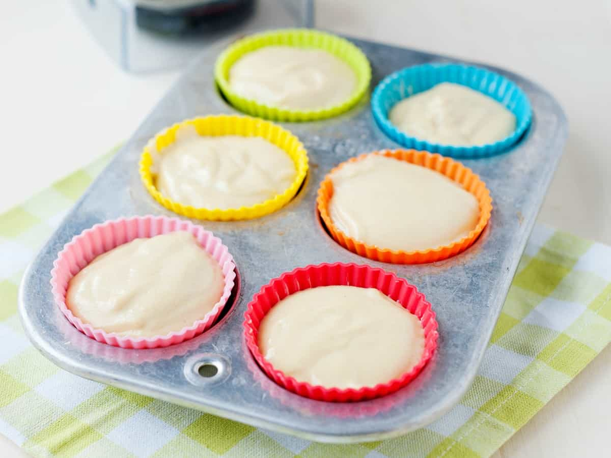 Want to know how to freeze muffins and how to freeze muffin batter? Check out the step by step so you can enjoy healthy baked muffins on demand!