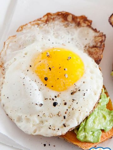 Image:Fried egg on sweet potato toast