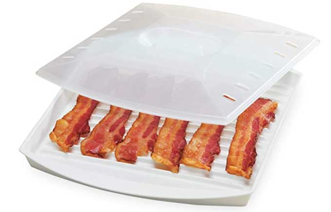 bacon in a microwavable tray